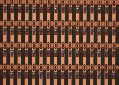 Mikro Mesa microLED pixels macro photo